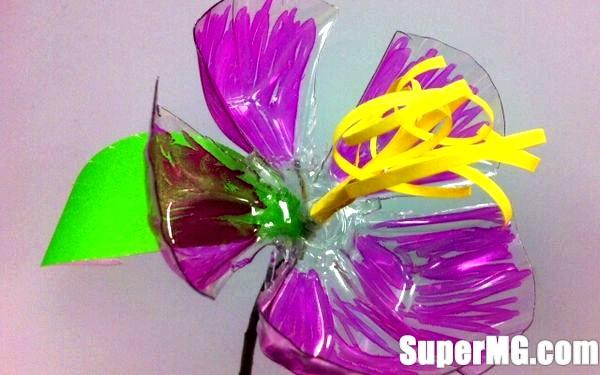 Фото: Квіти з пляшок своїми руками: красиве відродження вторсировини
