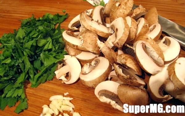 Фото: Як приготувати млинці з грибами: готуйте тарілки