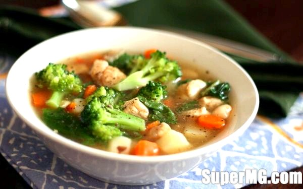 Фото: Як приготувати овочевий суп: легкі перші блюда