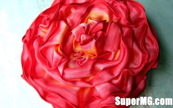 Фото: Як зробити квіти зі стрічок своїми руками: створення шедеврів
