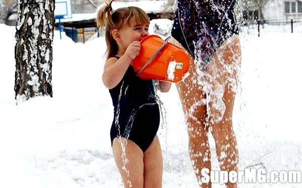 Фото: Як загартовувати маленької дитини: нехай малюк росте здоровим