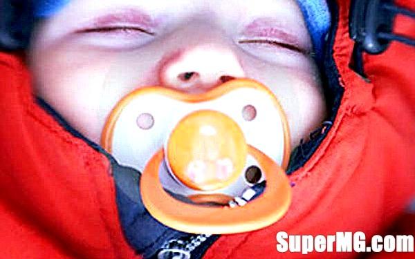Фото: Одяг новонароджених для зимових прогулянок: малюк повинен бути здоровий