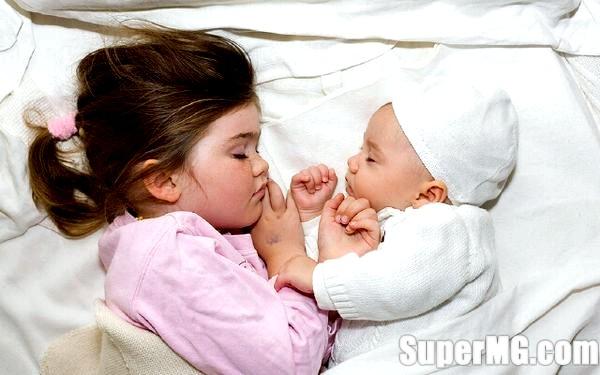Фото: Чому дитина постійно прокидається вночі: що робити-