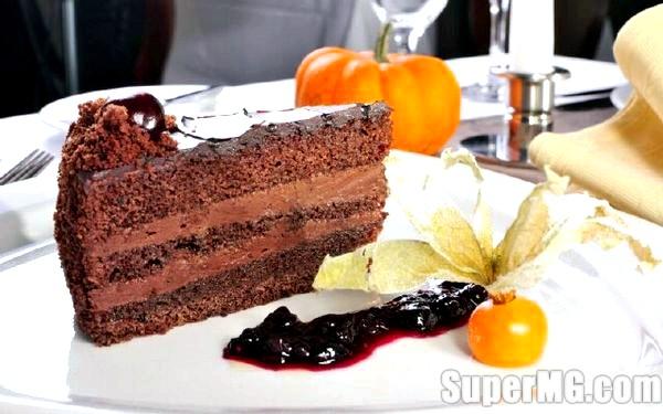 Фото: Приготування торта Прага в домашніх умовах: справжній радянський десерт