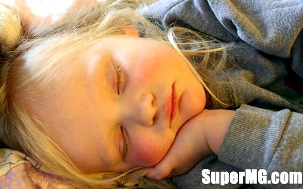 Фото: Дитина погано спить вдень: причини і методи вирішення проблеми