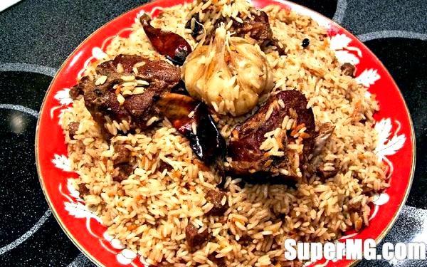 Фото: Рецепт плову зі свинини: смачне відхилення від традицій