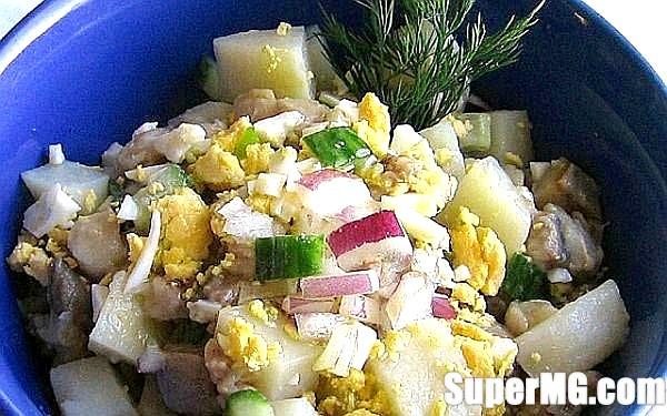 Фото: Салат по-старорусски з оселедцем: традиції вітчизняної кухні