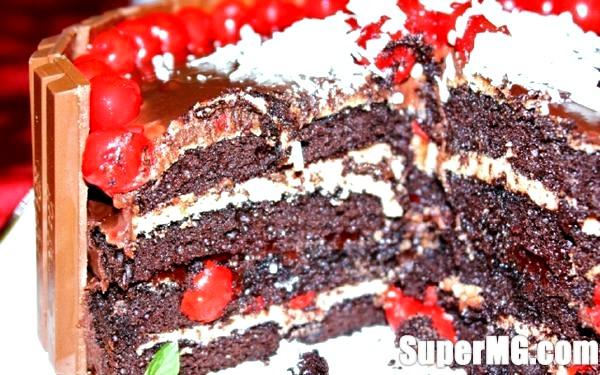 Фото: Шоколадно вишневий пиріг: перевірені рецепти