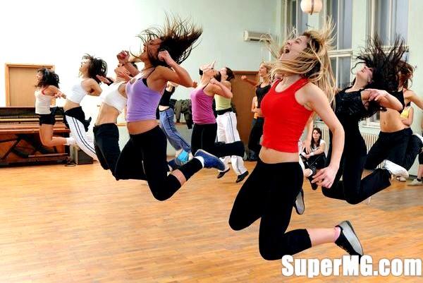 Фото: Танцювальна аеробіка: вправи для розігріву всіх м'язів
