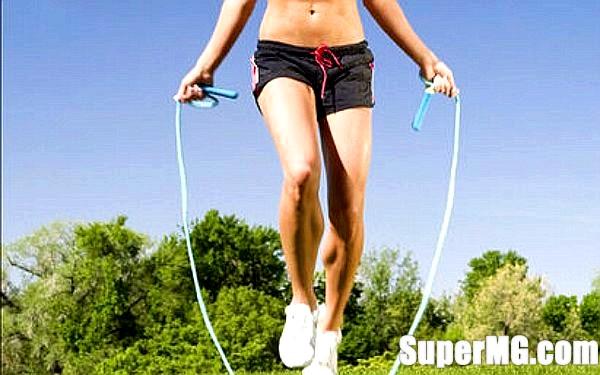 Фото: Вправи зі скакалкою для схуднення - фізкультура, доступна кожному